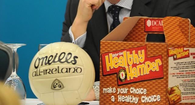 healthy-hamper-football