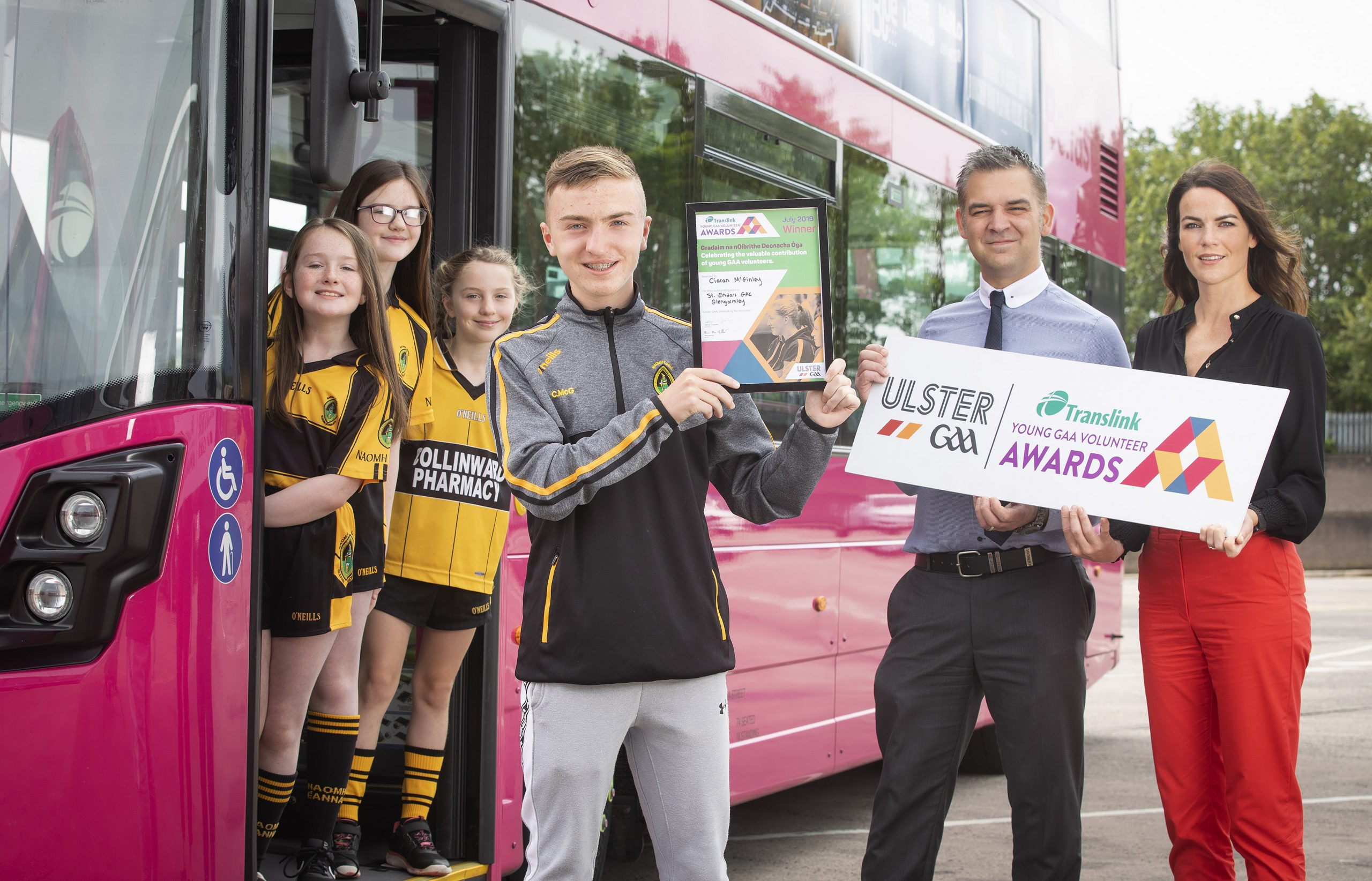 Young St Enda's Player develops his Coaching Skills and wins Translink Young Volunteer Award